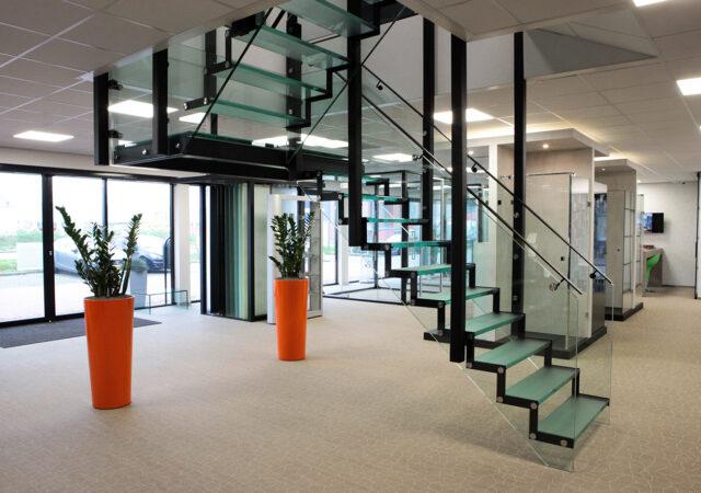 Glass-Inside-Den-Haag—Glazen-trap
